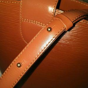 Louis Vuitton Bags - Louis Vuitton Cluny Shoulder Bag